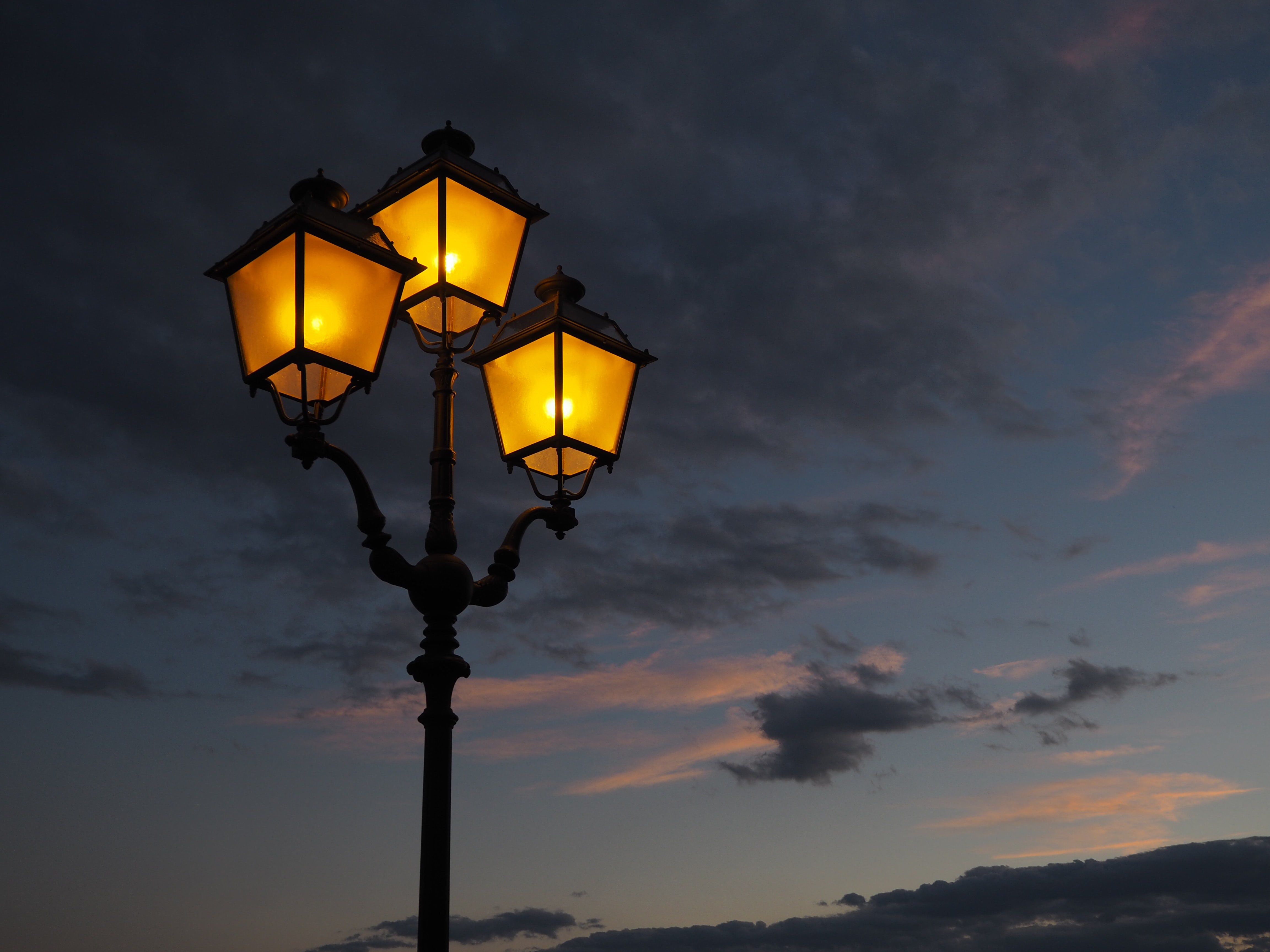 Lantaarnpalen En Straatlampen Voor Iedere Tuin
